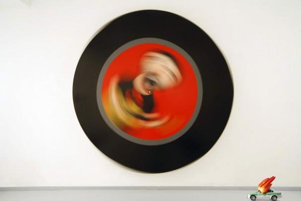 115Revolutuin Song 5_2008_ acrylic on polimer,elctric motor_diameter 222 cm