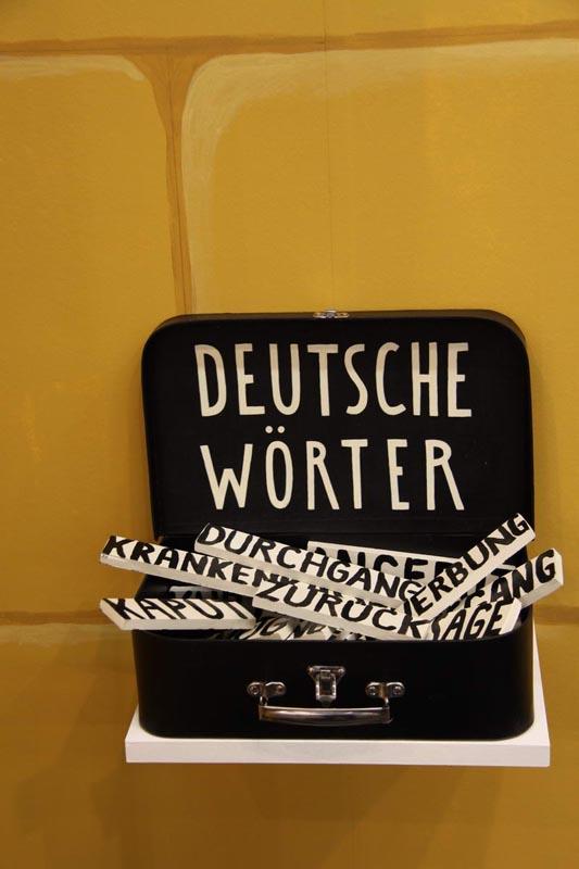 209Deutsche Worter_2009_Mixed Media_22x32x25 cm