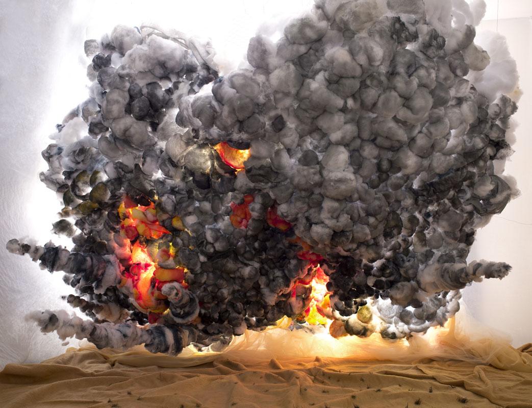 090-desert-explosion_2013_c-print_135x100-cm